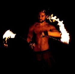 2014 Fire Dancing Expo - Leo Comunian
